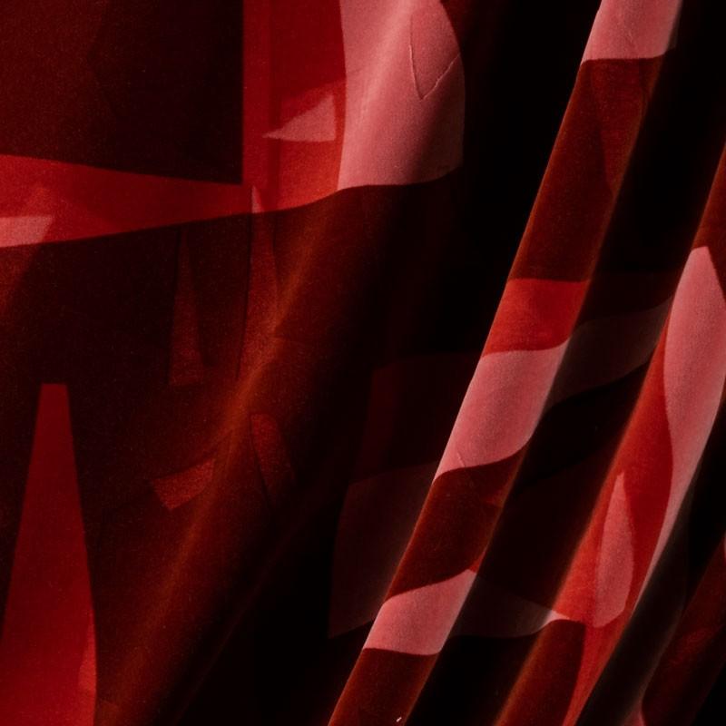 Tissu-velour-géométrique-rouge