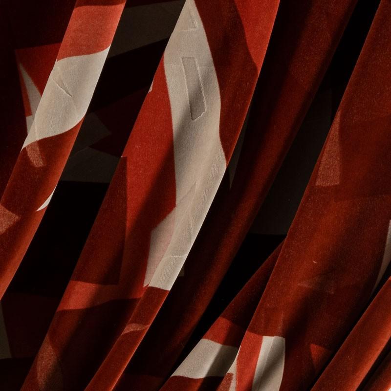 Tissu-velour-géométrique-rouge-beige