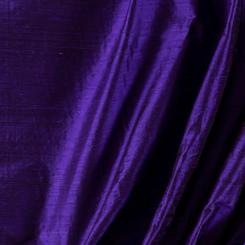 Tissu-soie-sauvage-pourpre