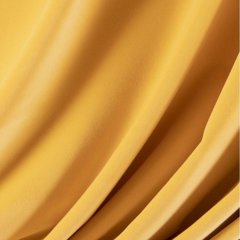 Tissu-velours-jaune-pâle