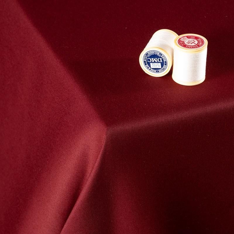 Tissu-300cm-polyester-nappe-bordeaux