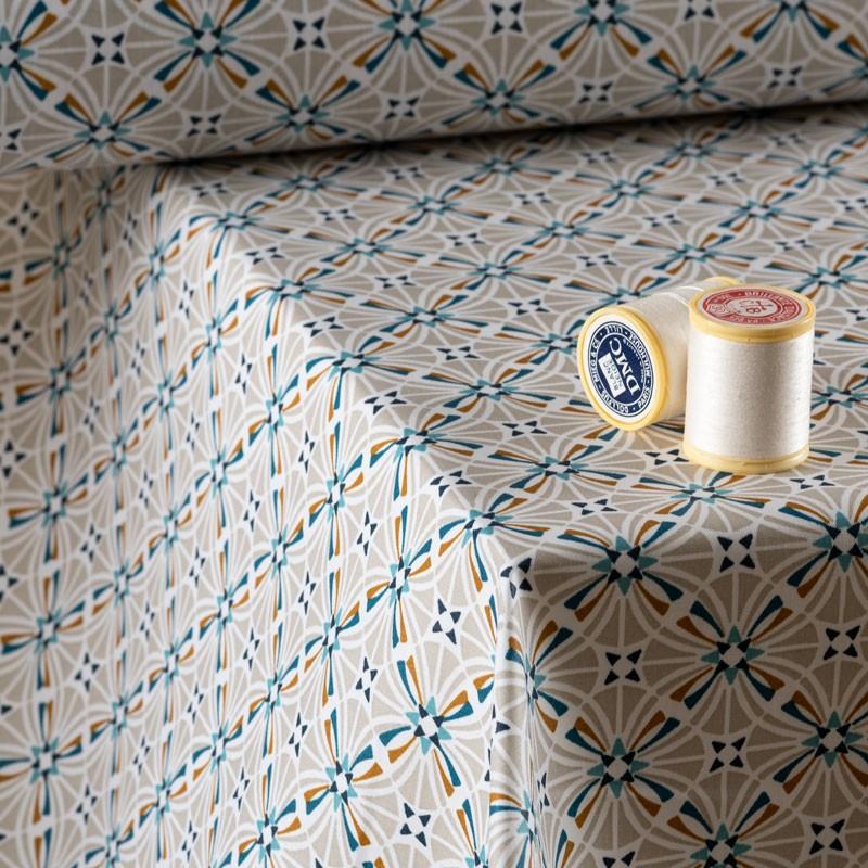 Tissu-coton-Enduit-géométrique-grège-bleu