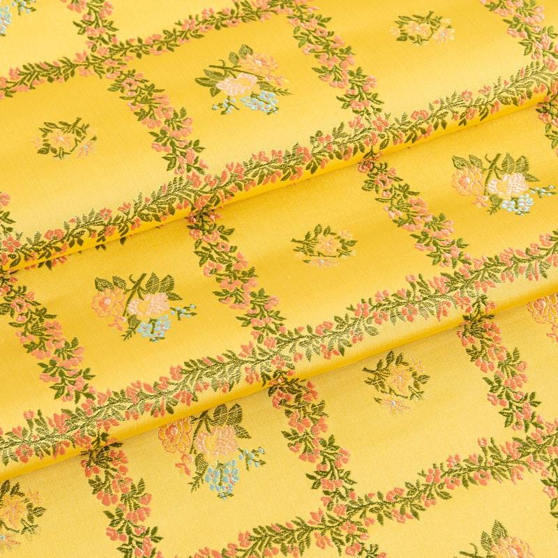 Tissu-lampas-de-soie-fleuri